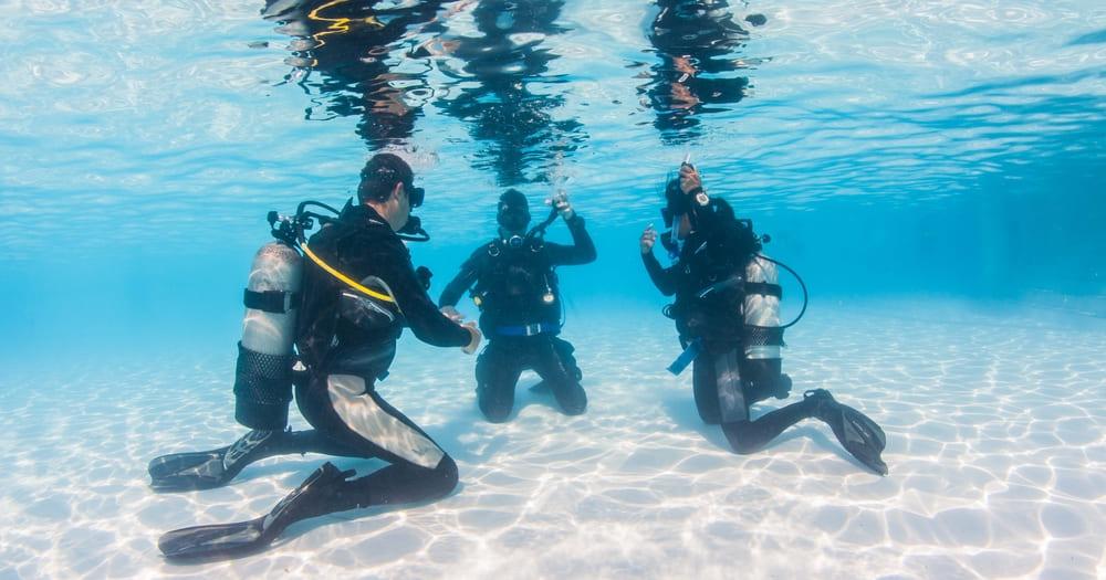 Como funciona o curso de mergulho para aprender a mergulhar?