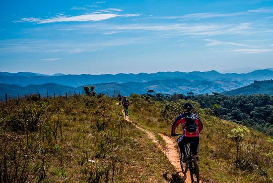 Ciclismo em contato com a natureza