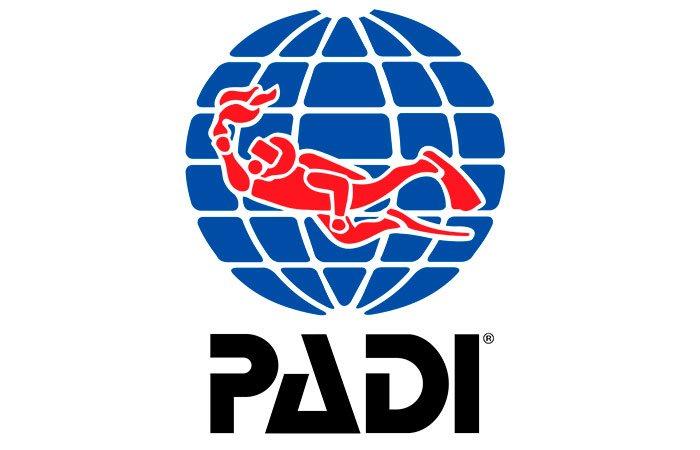 Curso de Mergulho Avançado certificado pela PADI