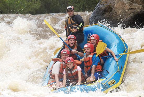 Rafting em contato com a natureza