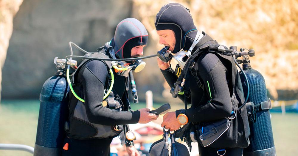 Equipamento SCUBA detona mitos sobre mergulho