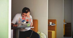 Aprenda sobre sobrecarga de trabalho
