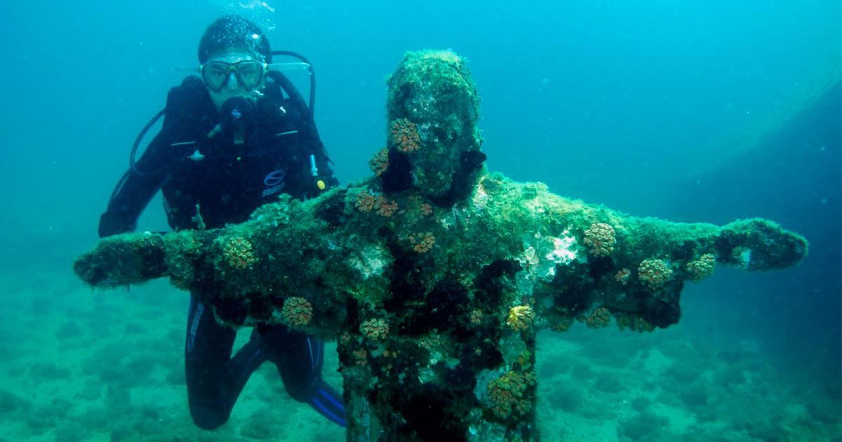 Ilha dos Meros é um dos principais Pontos de mergulho em Paraty