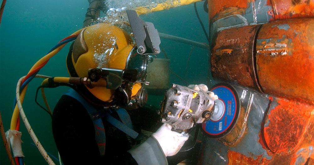 Mergulhador comercial, exemplo de Mergulho profissional