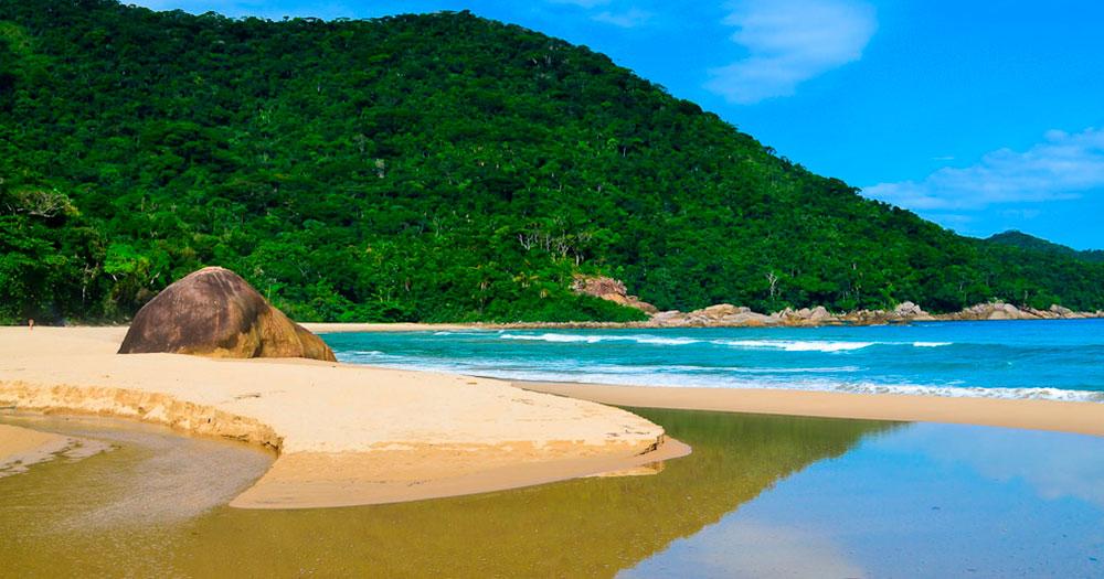 As Praias de Antigos e Antiguinhos em Paraty são duas das melhores praias do Rio de Janeiro