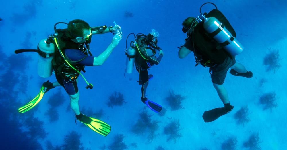 O que acontece com o corpo de um mergulhador?